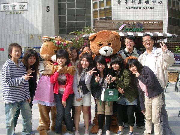 歐趴熊學生合影