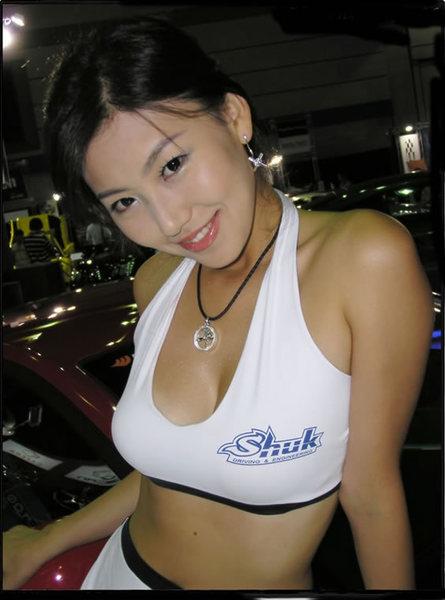 devchonki_s_japonskogo_avtoshou_chast_2_16_VP6nOhZBtQig.jpg