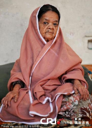 世界最老侏儒 - 印度113歲老太太90公分高 成為世界最老侏儒