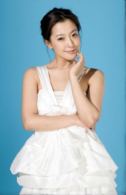 韓第一美女金喜善 - 女兒不像她? 韓第一美女金喜善遭質疑整過容
