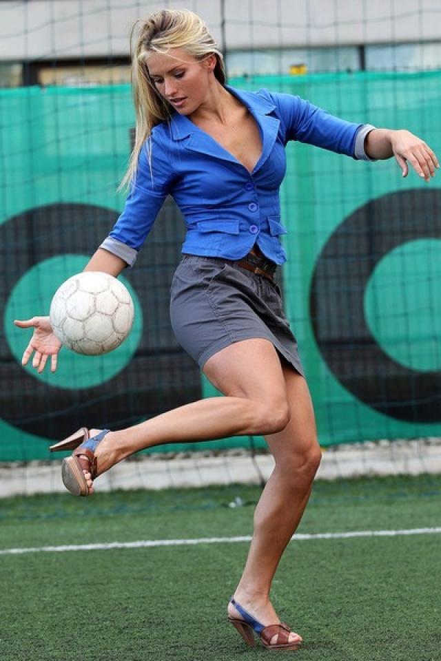 美女教頭足球 世姐美女教頭 TIHANA NEMCIC - 美女教頭足球
