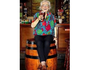91歲酒吧妹