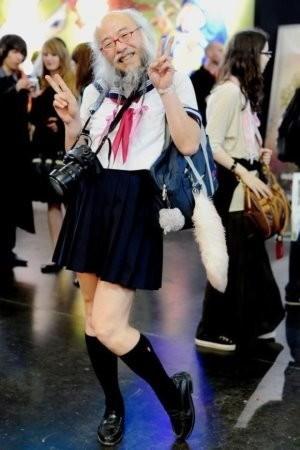 日本驚現超正半身美少女