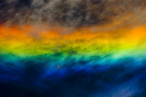天空彩虹火焰