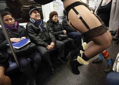 無褲地鐵日