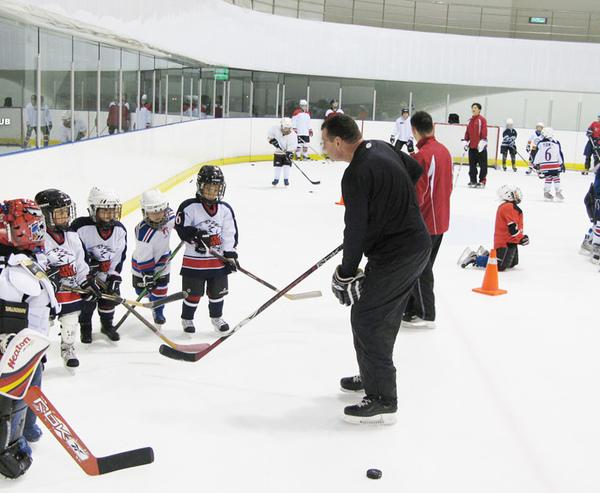 兒童冰球教學-1.jpg