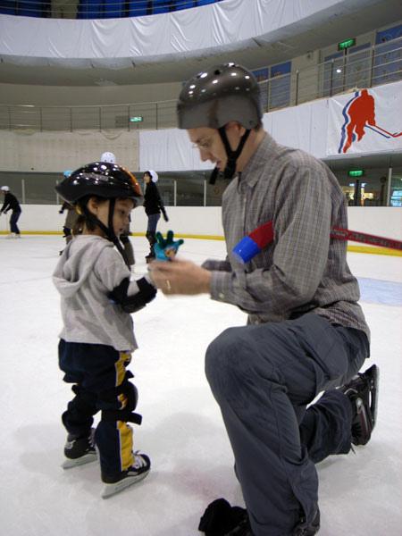 asn_kidhockeyimg02.jpg