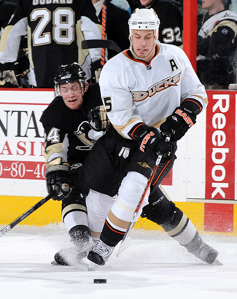 Anaheim Ducks v Pittsburgh Penguins.jpg