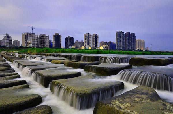 頭前溪豆腐岩.jpg