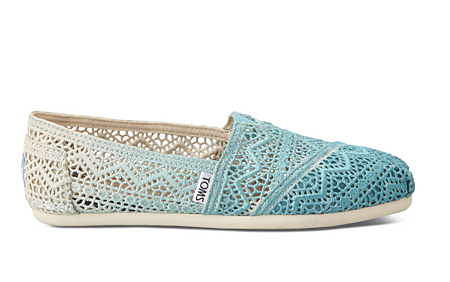 Baltic Dip Dyed Women's Crochet Classics   TOMS.png
