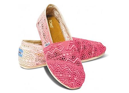 Fuschia Dip-Dyed Women's Crochet Classics   TOMS.com.png