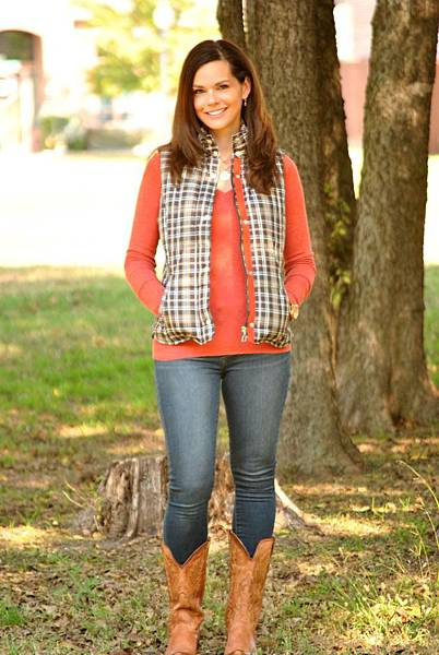 puffer-vest-skinny-jeans-cowboy-boots.jpg