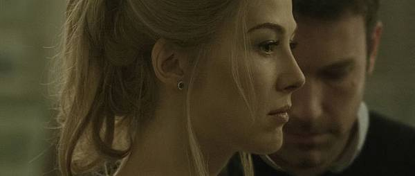 gone-girl-rosamund-pike-ben-affleck