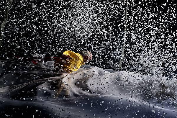【走進劇場】時間或許會走,但我們得想辦法把自己留下:斯拉法《下雪了》_艾莫西04