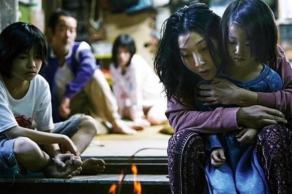 【影涉人生】生命裡的殘缺是為了與同樣殘缺的人產生共鳴而存在的:《小偷家族》_艾莫西3