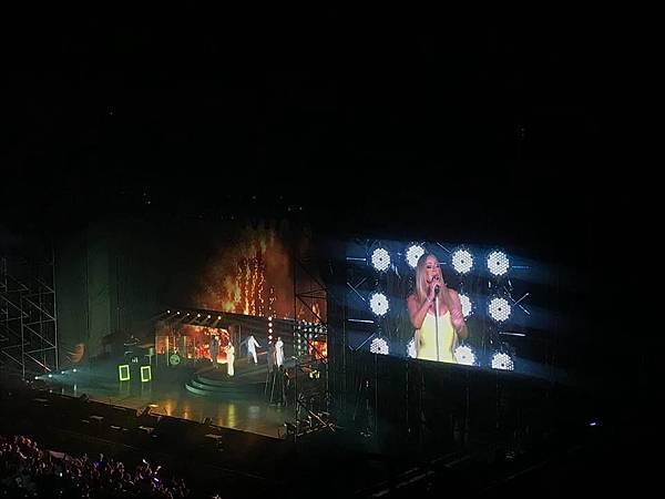 【青春記事本】有一種青春,叫瑪麗亞凱莉:瑪麗亞凱莉2018台北演唱會兩三事_艾莫西