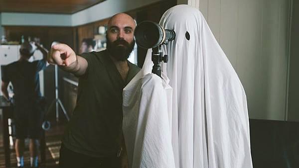inside-ghost-story-movie-casey-affleck-7d3b27c2-49fc-4658-95a4-6da15ff563da.jpg