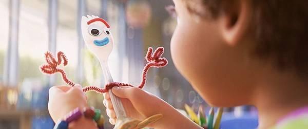 【影涉人生】我們每個人都是胡迪:《玩具總動員4》(Toy Story 4)_艾莫西08.jpg