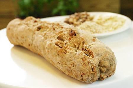 三種堅果麵包