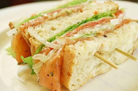 時蘿生鮭魚三明治