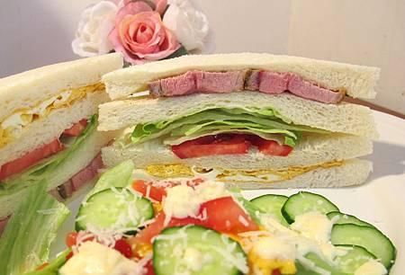 托斯卡尼烤豬肉三明治