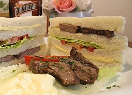 新疆孜然烤羊肉三明治