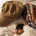 帽子 - ₩15000, 圍巾 - ₩13000