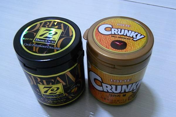 骰子巧克力 - ₩2000 (72%), ₩1570 (Crunky)