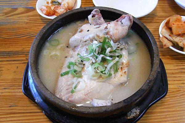 土俗村蔘雞湯 - ₩15000