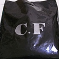 服飾花最多摳摳的這家店 (C.F)