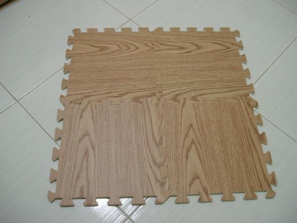 大潤發新買的木紋巧拼