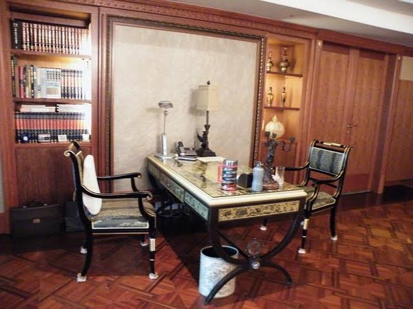17客廳側邊書桌.jpg
