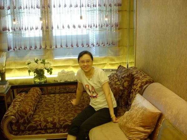 25主臥前的小客廳.JPG