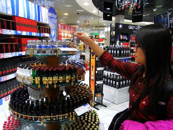 小瓶裝酒 是拿去飛機上喝嗎?