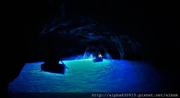 20160523 Italy blue cave.JPG
