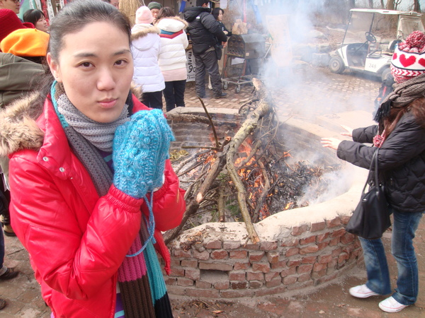燒木材取暖
