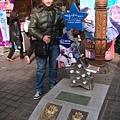 春川明洞街上有小裴跟小崔的手印