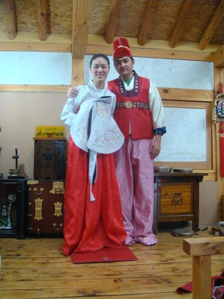 韓國男生的傳統服飾都不好看~