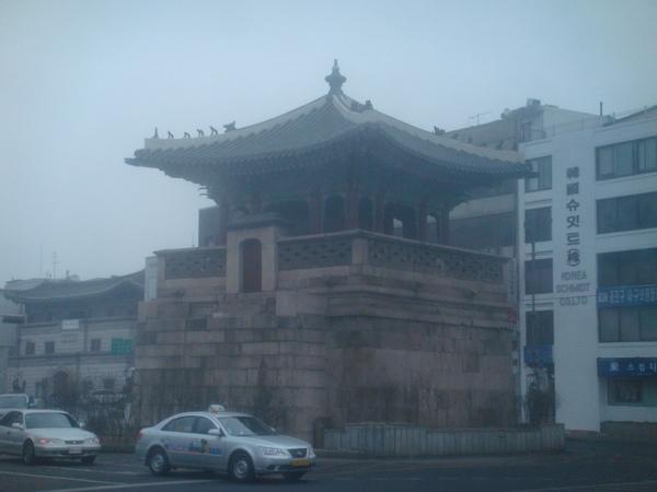 應該是東大門吧,跟台北的有點像