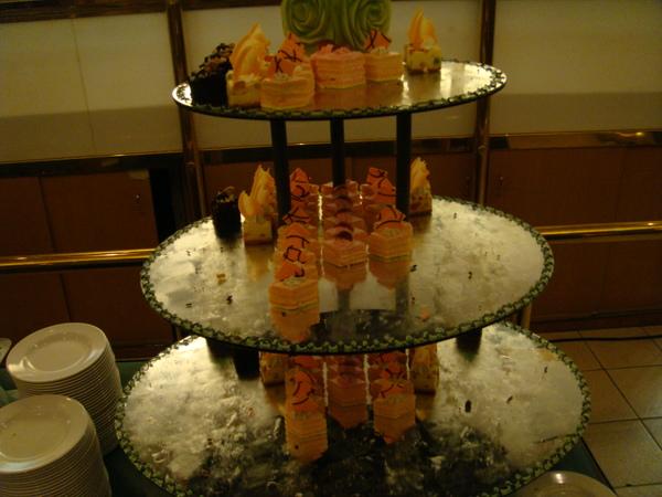 還有蛋糕塔