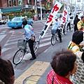 剛好有選舉,騎腳踏車造勢也夠環保了