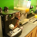 咖啡機+乳酸飲料+芒果汁
