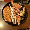 香腸、柳葉魚、羊小排、雞腿肉