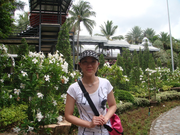 外頭是東芭的蘭花園