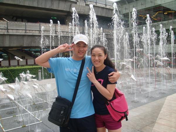 百貨公司前的噴水廣場