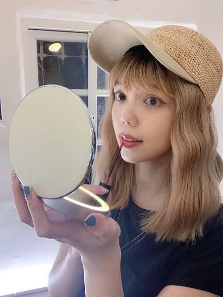 Lumi的旅遊地圖丨推薦:Midea美的口袋化妝鏡,我的美妝&補妝小幫手!