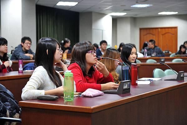 20111215_中央英文系友座談會_085