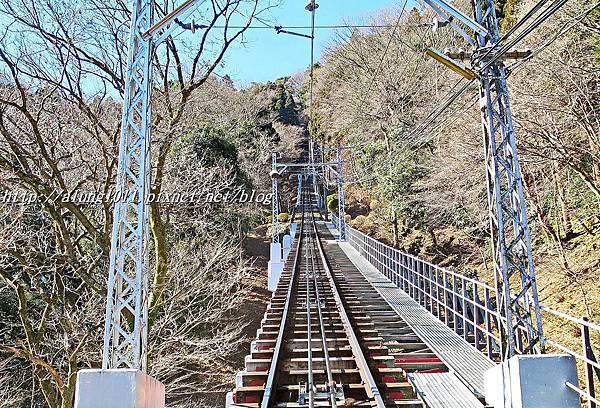 高尾山纜車 (33).JPG