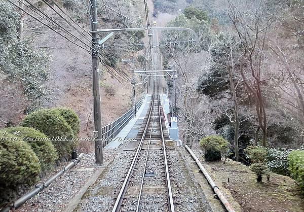 高尾山纜車 (60).jpg