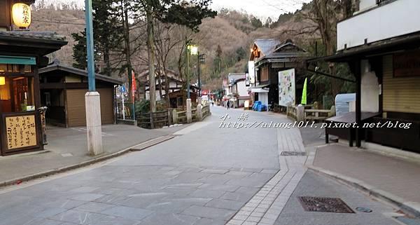 高尾山纜車 (65).jpg